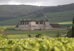 Château du Clos de Vougeot ©Jean-Louis Bernuy