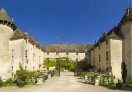 Château de Savigny-les-Beaune. Photo Michel Baudoin Beaune Tourisme