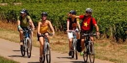 Discovering Burgundy by Bike. Beaune. www.beaune-tourism.com/blog/discovering-burgundy-bike ©Studio Piffaut