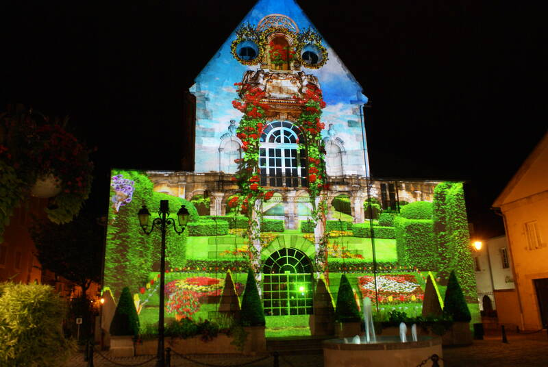 Beaune's trail of light - La Chapelle Saint-Etienne © Gilles Brebant