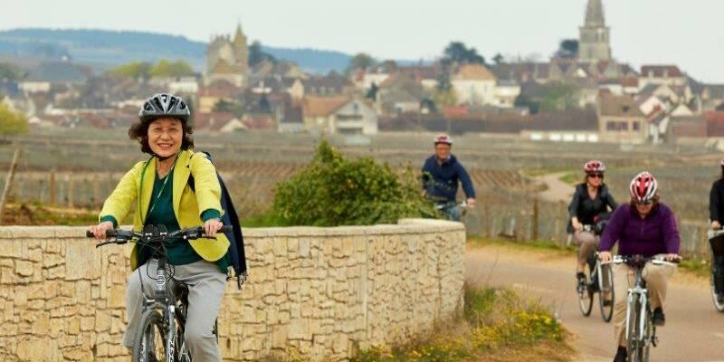 """The """"Voie des Vignes"""" Cycle route © Studio Piffaut"""