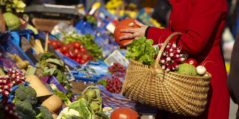 Chagny food market ©JosyanePiffaut