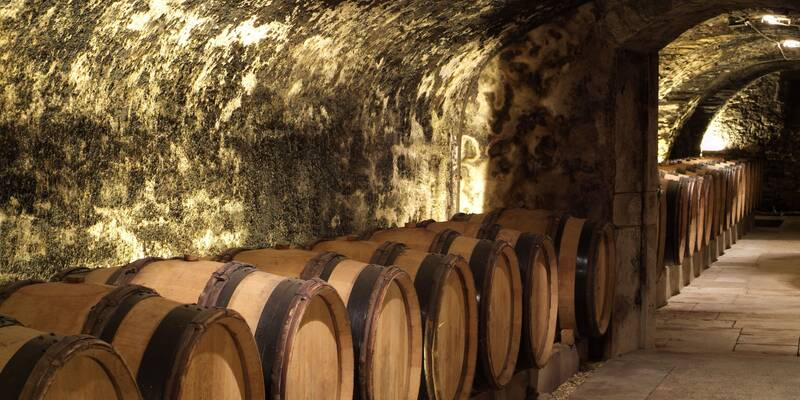15th Century Cellars - Hospices de Beaune © Francis Vauban