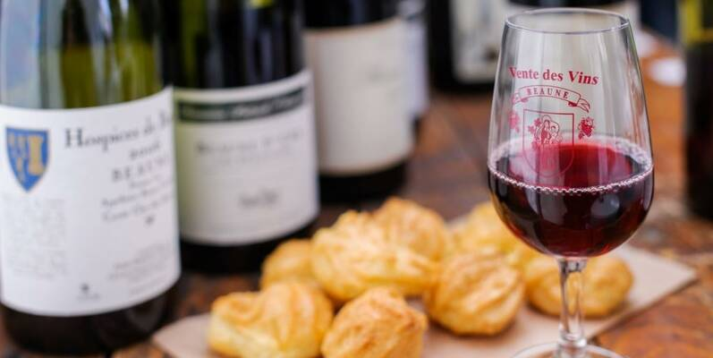 Wine Auction-Wine & Gougères ©MichelJoly