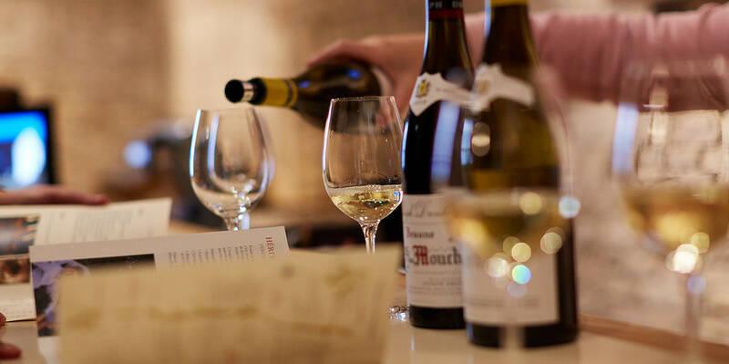 Wine tasting © Maison Jospeh Drouhin
