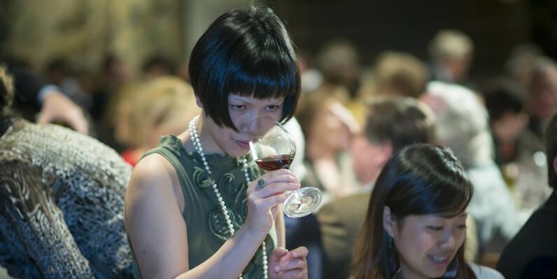 Wine Auction-Paulée de Meursault ©MichelJoly