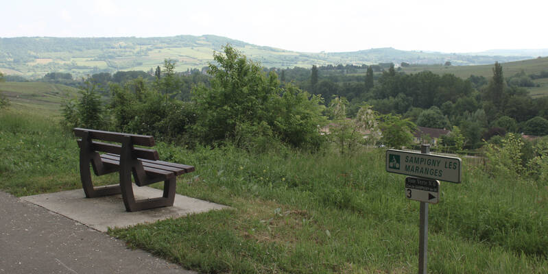 Benches to admire the sights (Sampigny les Maranges)