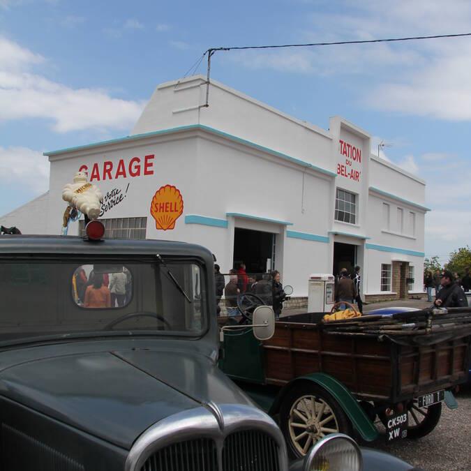 Bel-Air retro petrol station © OPhilippe Gateau