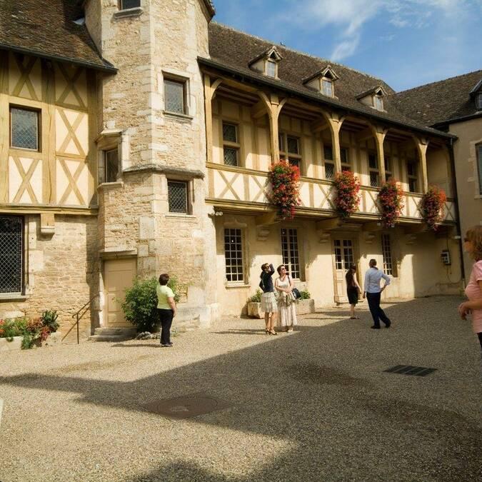 Burgundy Wine Museum in Beaune © Francis Vauban