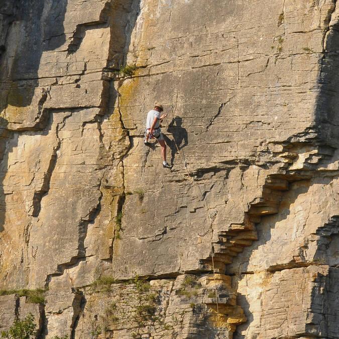 Rock-climbing in Cormot