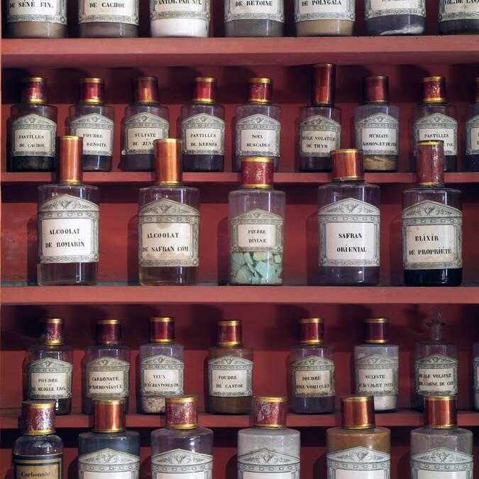 Pharmacy © Francis Vauban
